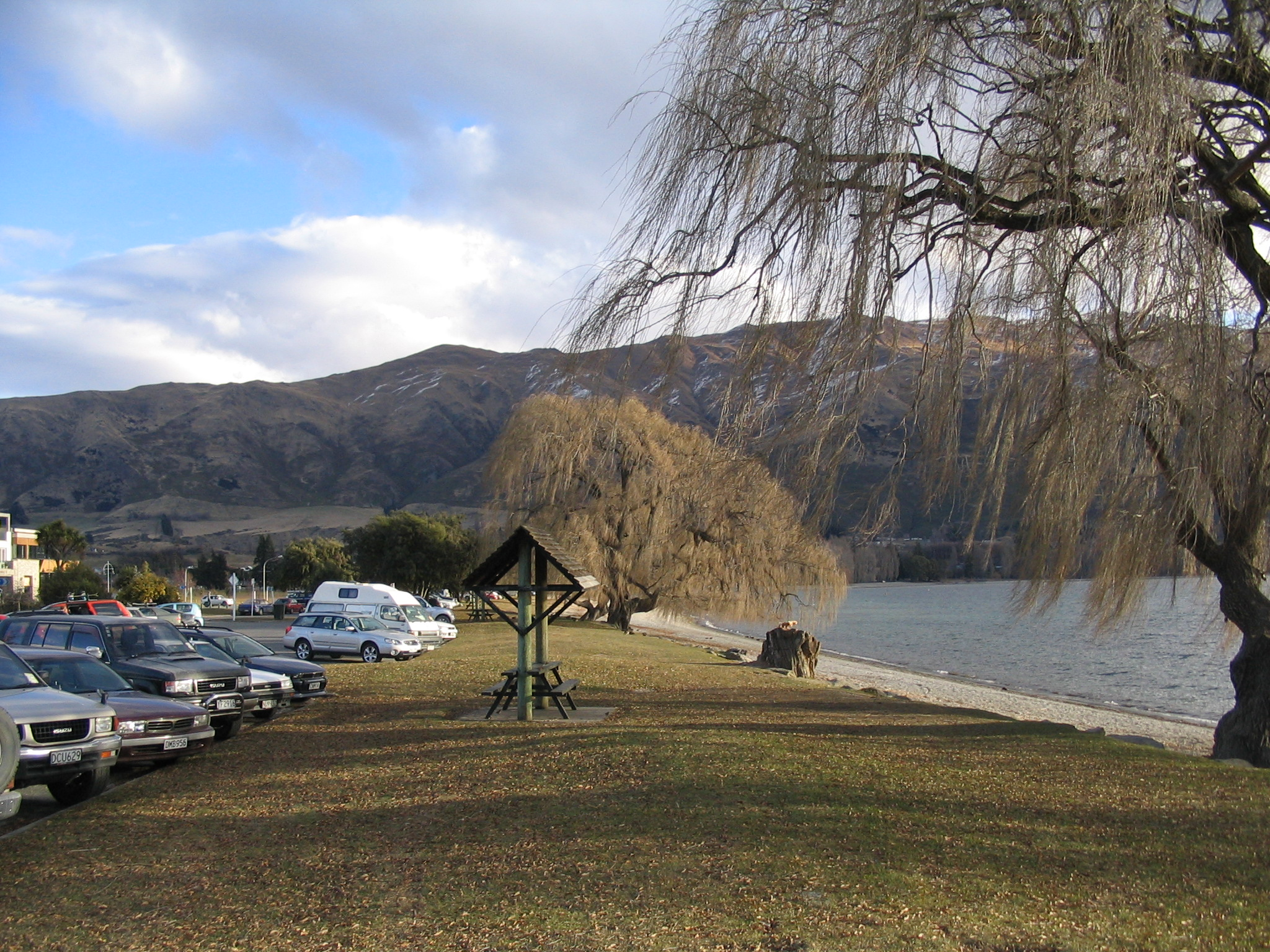O Lake Wanaka dita o ritmo sem estress, da cidade à beira do lago.