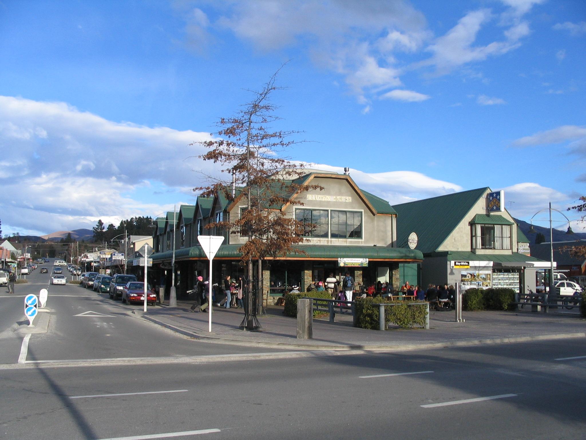 O centro de Wanaka é bem tranquilo e plano, o que facilita a locomoção pela cidade.